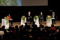 公開シンポジウム 「美しい生き方を考える」第3回 【心豊かに生きる】 2014年12月8日 於 日本橋三井ホール